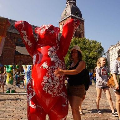 Magyar béke maci, Riga, lettország