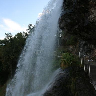 Steinsdalfossen, eső előtt