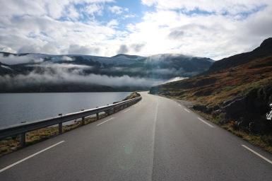 Felhők elől menekülve