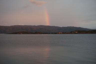 szivárvány a fjordban