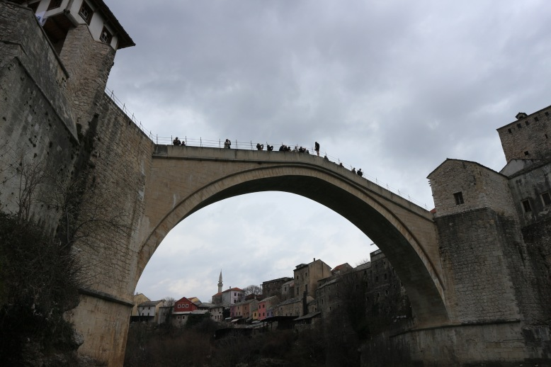 ál-híd ugrás