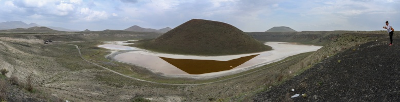 Panorama_Meke crater lake1